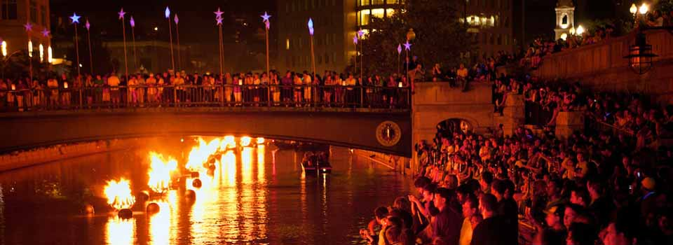 Crowd at WaterFire (Photo by James Turner)