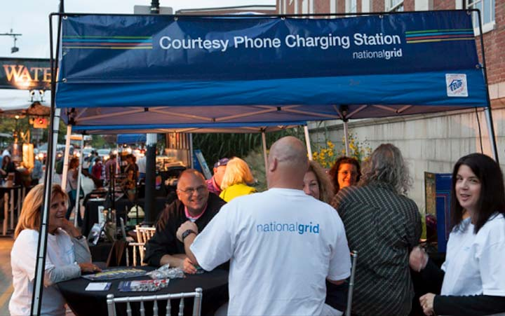 Canal Street Charging Station (Photo by Sean Chatham)